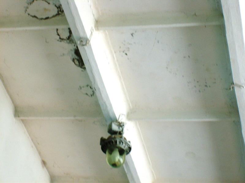 (2011) потолок, протечка